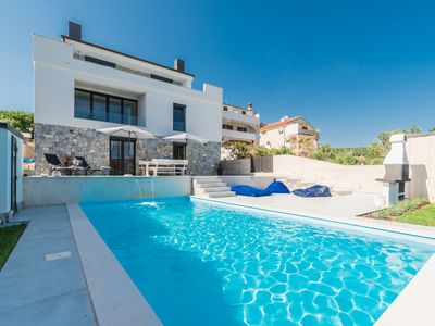 Photo for Sun & Sea luxury aparments with a private pool