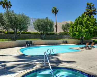 Photo for Luxury Palm Springs Condo 1BR/1Bath with Mtn and Spa views