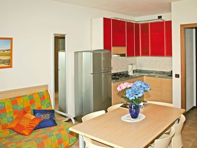 Photo for Beautiful apartment for 4 guests with WIFI, pool, A/C, TV, balcony and parking