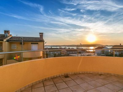 Photo for Quietly situated with terrace and sea view - Posesi 2