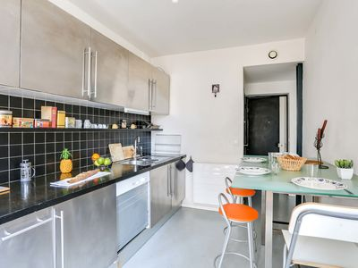 Photo for 1 bdr flat sleeps 4 in Montmartre