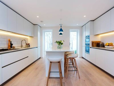 Photo for Minimalism, elegant house 3BR in Notting Hill, by Veeve