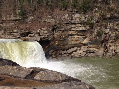 Cumberland Falls Is A Scenic 45 Min Drive. See A Moonbow On Full Moon Nights