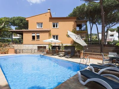 Photo for Charming house, ideal for two families with large garden and private pool.
