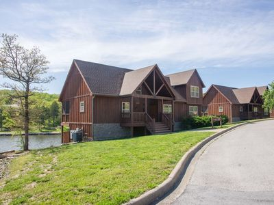 Photo for LAKEFRONT next to Pool! In Stonebridge by Silver Dollar City