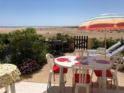 Photo for GRUISSAN - Flat with direct access to the beach