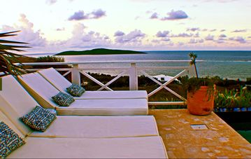 💗 Villa Bliss 💗 Incomparable View, Walk To Beach, Salt Water Purified Pool,