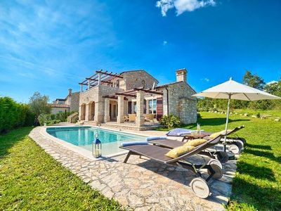 Photo for 4-bedroom Buzet holiday home for 8 people - holiday home