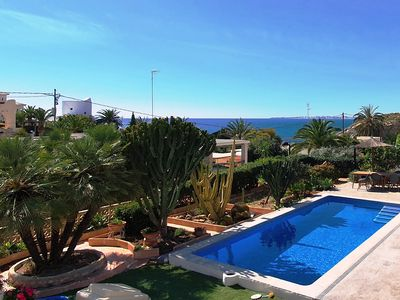 Photo for Villa with pool, Wifi 60 meters from the sea.