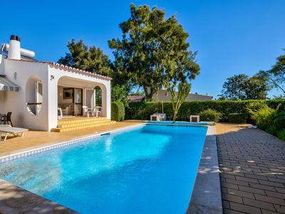 Photo for 2 bedroom family villa with heated pool a short walk from Carvoeiro