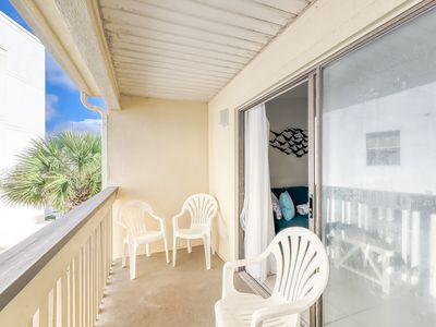 Photo for Newly-renovated condo at Gulf-front complex w/ beach access & shared pool/grill!