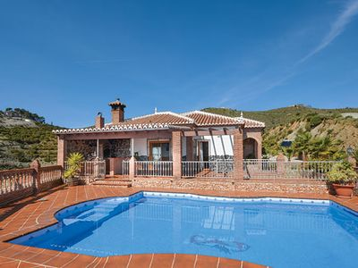 Photo for Secluded open-plan villa with amazing ocean view, a private pool and Wi-Fi