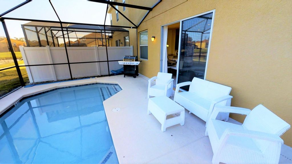 ACO FAMILY - 4bd with pool (1608)