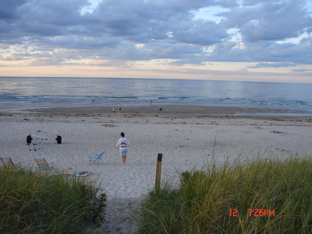 Oceanfront Cottage On East Sandwich Beach 3 Br Vacation