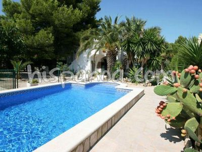Photo for Costa Dorada villa with secure pool in Ametlla