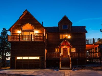 Sky High Retreat- Breathtaking Lake Views with Pool Table & Outdoor Spa!