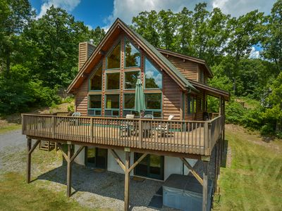 Photo for Impressive Mountain Log Home in tranquil setting!