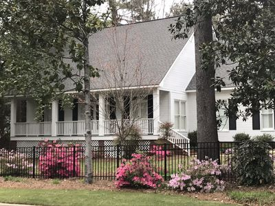 Low Country home in quiet neighborhood 1 mile from campus /.75 to Downtown