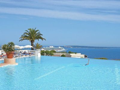Photo for 2 bedroom Apartment, sleeps 6 in Cannes with Pool and WiFi