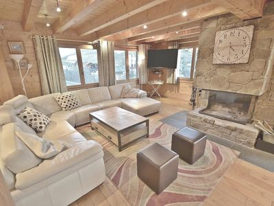 Photo for Spacious 7 bed chalet for 18 close to the slopes with open fireplace!