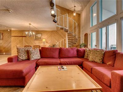 Photo for Spacious 2-level Condo located between Vail & Lionshead Village | Evergreen 604