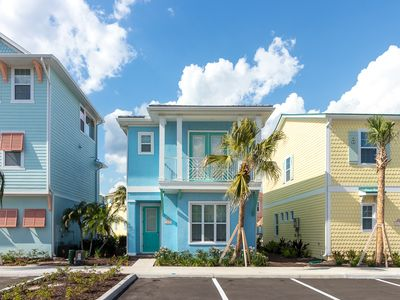 Photo for Margaritaville Resort Orlando - 3 bedroom/3 bath cottage - 8081 Dreamsicle Drive