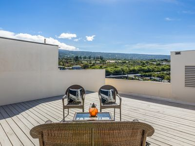 Photo for Peek-A-Boo Oceanview Penthouse