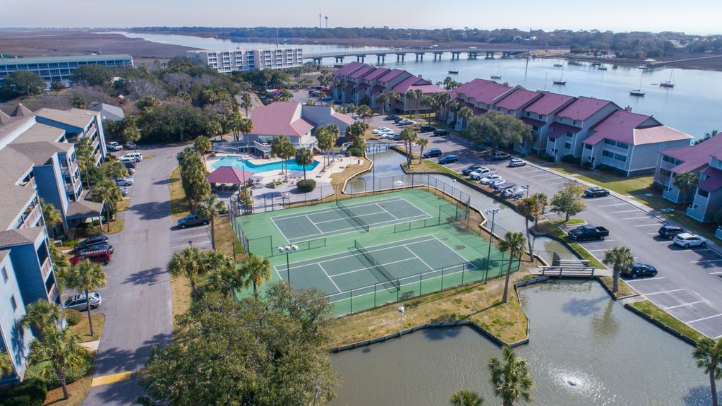 15 MARINERS CAY~ RIVER VIEW~ POOL~TENNIS COURTS ~ 2Bed/2 ...