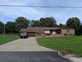 Photo for 4BR House Vacation Rental in Decatur, Illinois