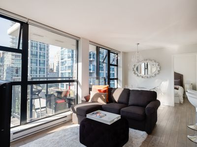 Photo for MODERN 2 BED 2 BATH IN PRIME YALETOWN LOCATION!