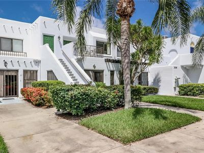 Photo for Stunning 2BR/2BA condo in the heart of Naples