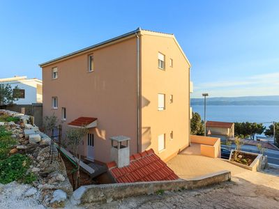 Photo for Apartment in Stanići (Omiš), capacity 4+2