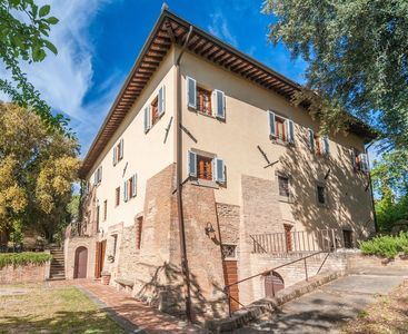 Photo for Piano di Moriolo Apartment, Sleeps 6 with Pool