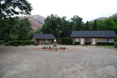 Pictured is our Cottage, Jacuzzi, and Ranch Units. Each rented separately.