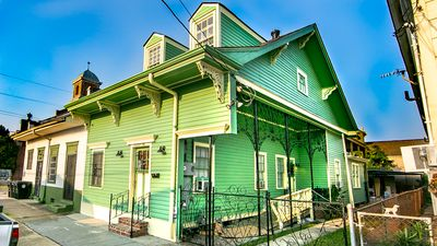 Photo for Single Family w/offstreet Park 5bed/4ba walk to French Quarter & Frenchmen St