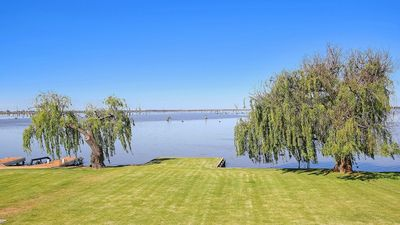 Photo for 5BR House Vacation Rental in Yarrawonga, VIC