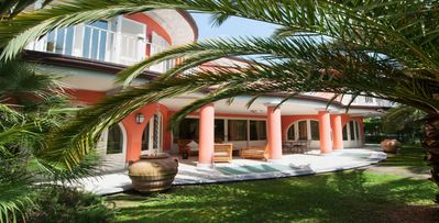 Photo for 5bd villa with several indoor and outdoor living areas, billiards, pool
