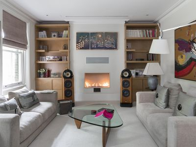 Photo for Alwyne Place - Two Bedroom Apartment, Sleeps 7
