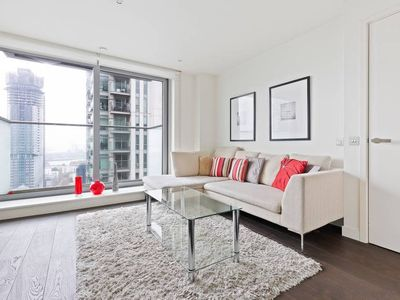 Photo for Elegant 1-Bed in Canary Wharf, View of the Docks