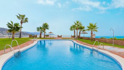 Photo for 9-people holiday home in a complex with shared areas in Almuñécar