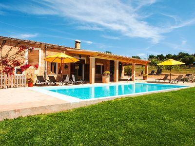Photo for Beautiful country house with pool and vision