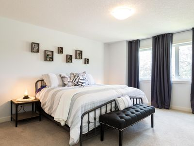 Photo for Chic Modern Home★King Bed ★5 Mins to WEM★Sleeps 8!