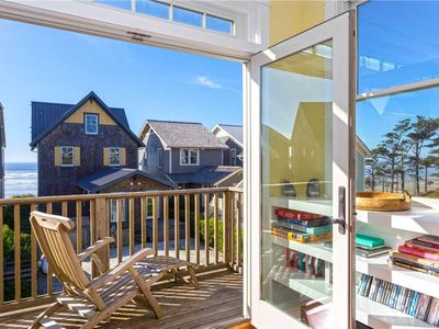 Photo for A Sweet Treat: 3 BR / 3.5 BA seabrook in Pacific Beach, Sleeps 10