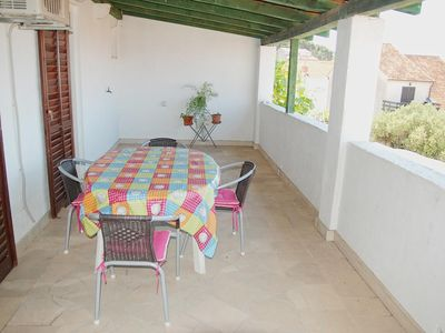 Photo for Three bedroom apartment with terrace and sea view Supetar (Brač)