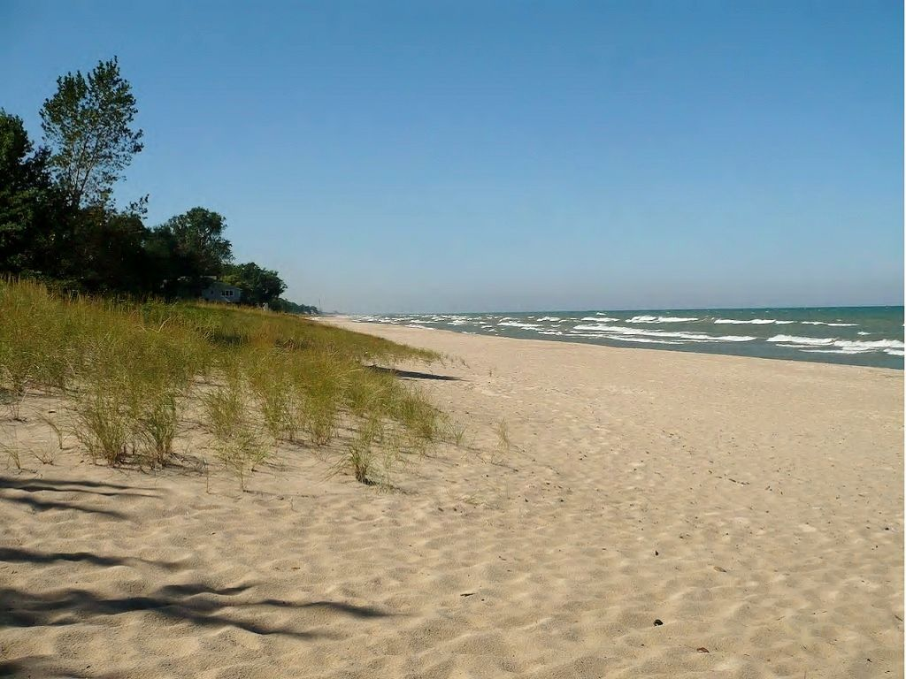 Beautiful Michiana Shore Vacation Getaway (Newly Listed!)