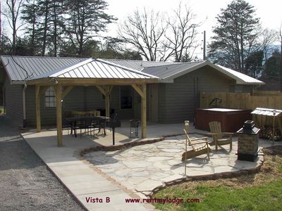 Photo for Chattanooga Outdoor Dining Fireplace  Hot -Tub Wifi