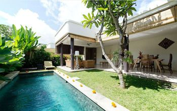 Photo for Villa Lestari - Near Seminyak Square