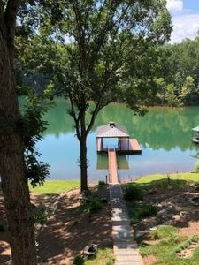 Photo for Lake Keowee, SC Lake House with private dock-sleeps 14!!