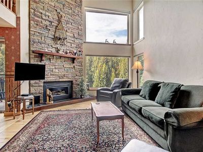 Photo for Quick walk to downtown/ski lifts, free parking, balcony