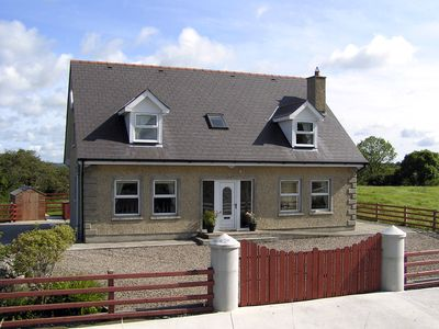 Photo for 4BR Cottage Vacation Rental in Mayobridge, Down